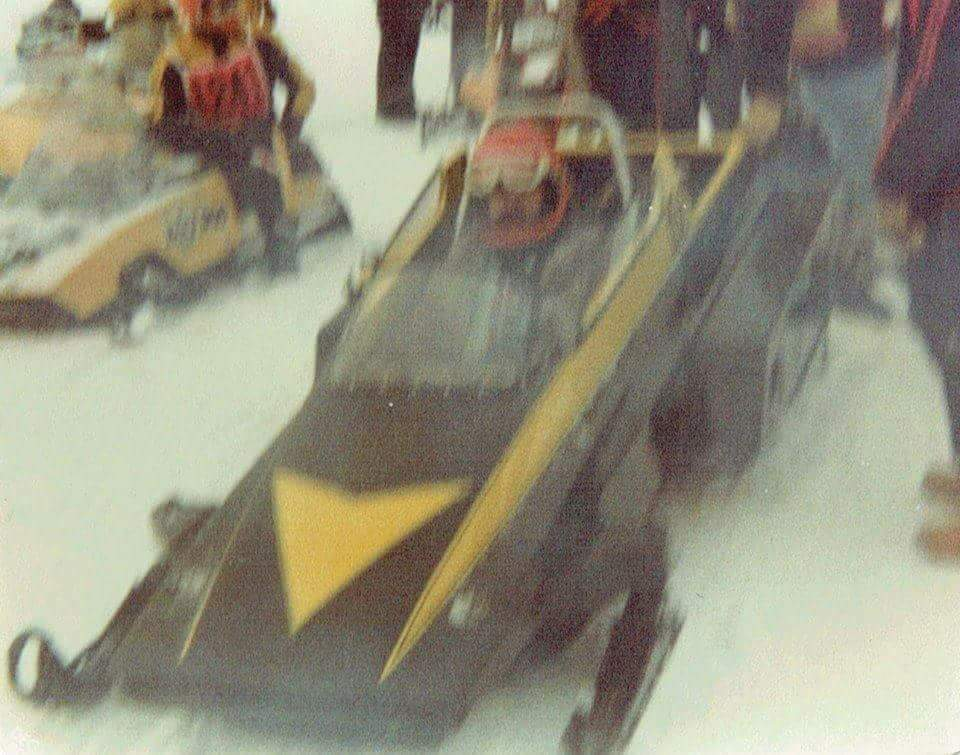 old racing Manta photo from 1970s