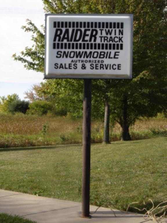 2012-sept-23-raider-sign